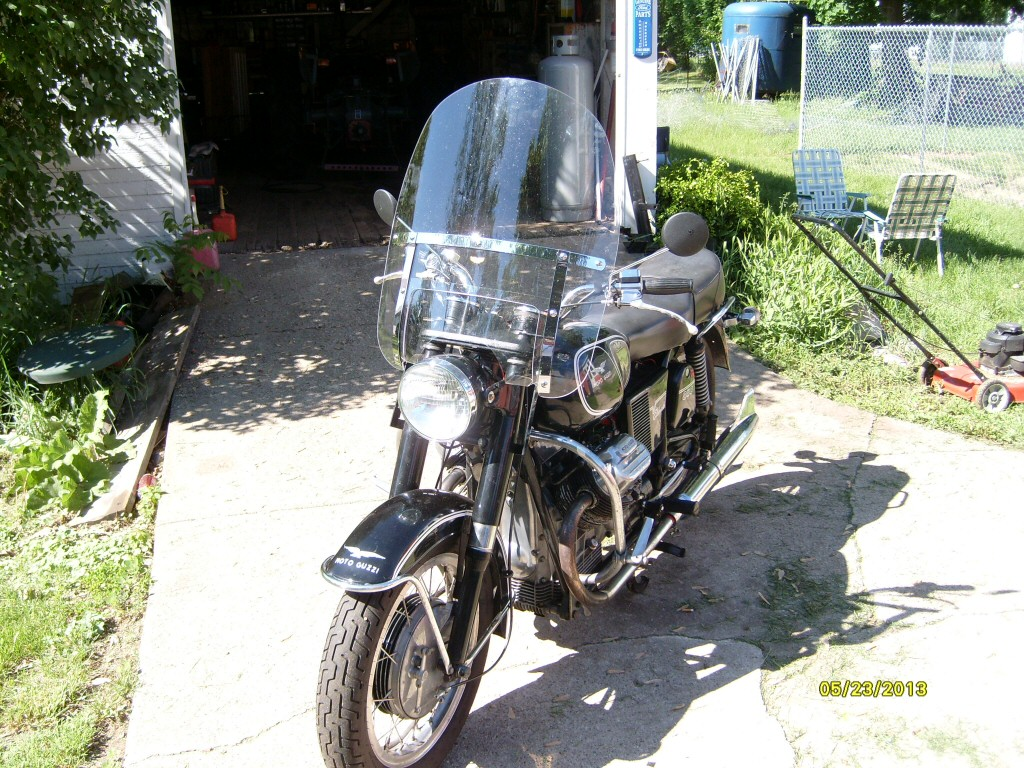 Fitting National Cycle part number N2211 windshield to a Moto Guzzi Eldorado.
