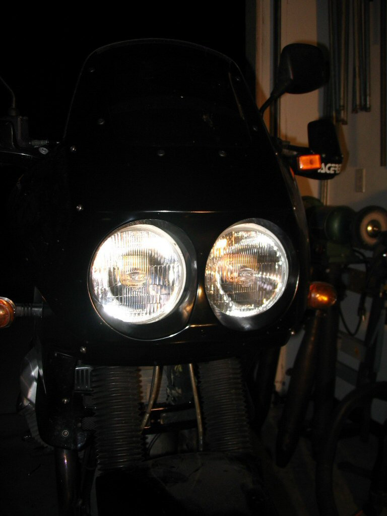 Painted fairing and headlight. Mounting a Yamaha FZR headlight to a Moto Guzzi Quota 1100 ES.